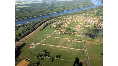 Madártávlatból a lakópark és az Öreg-Duna.